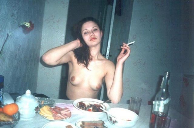 Снимки голых девушек из 80х годов - фото #22