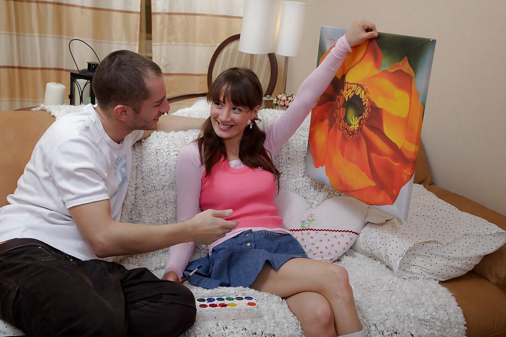 Художница похвасталась картиной и была награждена членом