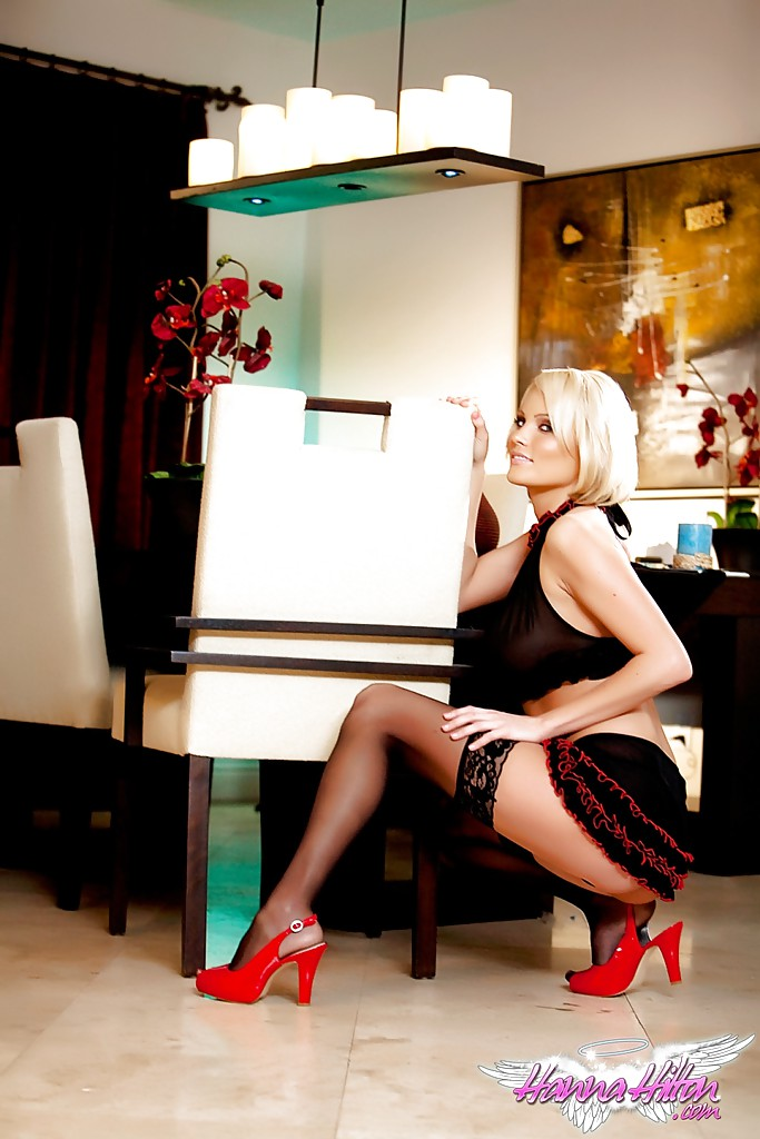 Развратная любовница Hanna Hilton ждет своего нового парня - фото #7