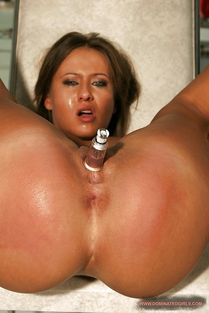 Покорную рабыню связали перед сексом - фото #9