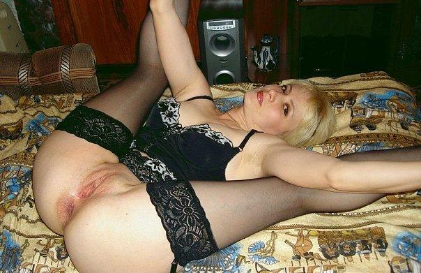 Растраханные аналы девиц жестко жарят большими стволами - фото #14