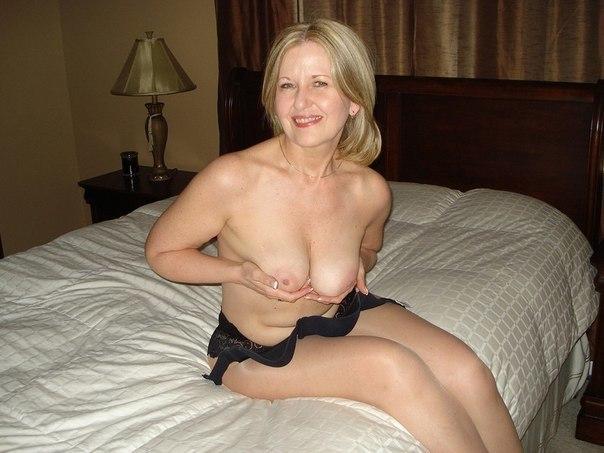 Зрелые дамы тоже хотят ласки от супругов - фото #25