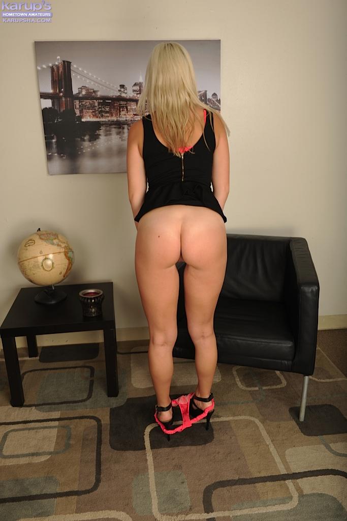 Блондинка Xandra Sixx мастурбирует после работы - фото #5