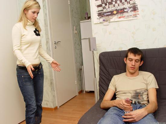 Ролевые игры темпераментной блонды и её парня - фото #0