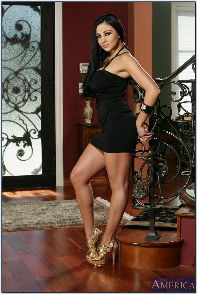 Черная пантера Audrey Bitoni знает, как нужно удивлять - фото #2