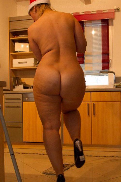 Полные женщины с большими попками позируют голышом - фото #7