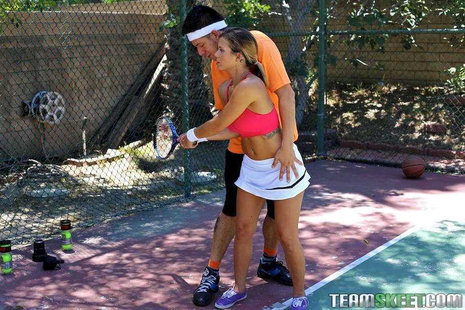Теннисистка Кейша Грей снова проиграла тренеру партию - фото #1
