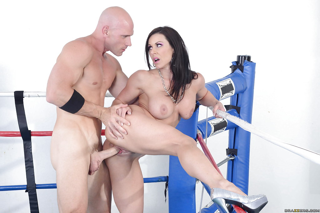 Брюнетка Kendra Lust порадовала чемпиона сексом - фото #10
