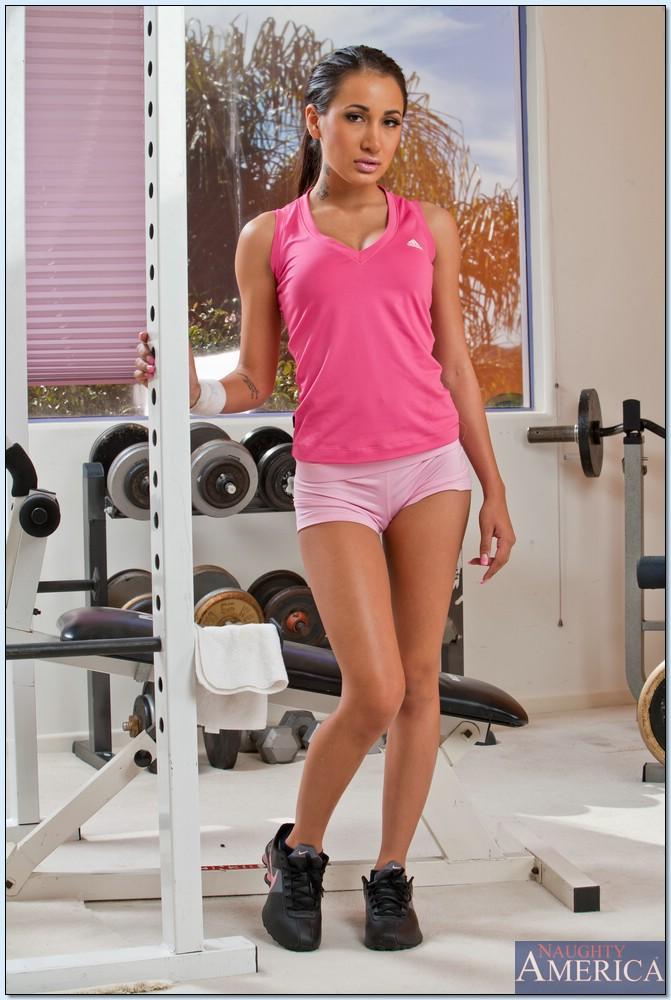 Спортсменка Amia Miley ждет тренера во всеоружии - фото #1