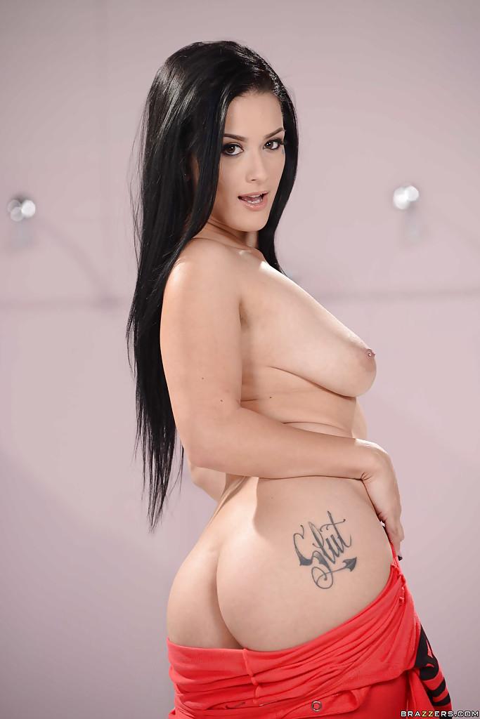 Модель Katrina Jade позирует в обнаженном виде - фото #10